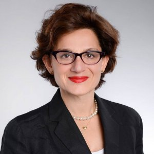 Maryam Golnaraghi, Headshot